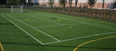 Campo da tennis all'aperto in sintetico